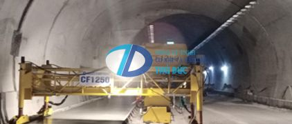 CF1250 Concrete Cylinder Finisher for construction of Hai Van tunnel